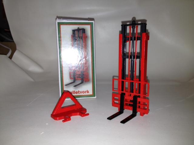 Hefmast Rood met Zwarte vorken