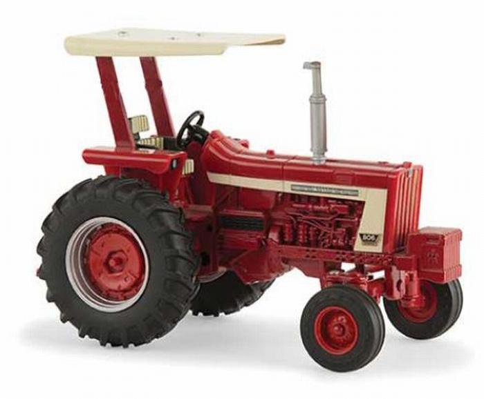 IH Farmall 806 with ROPS