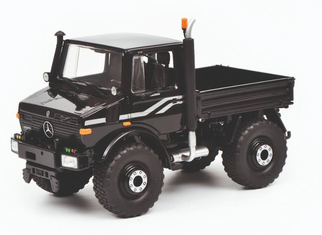 Unimog U1600 Zwart
