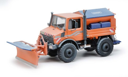 Unimog U 1600 Orange with Snowset (Snow Edition)